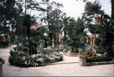 Realizzazione di verde in giardino storico all'italiana, Villa privata, Bari